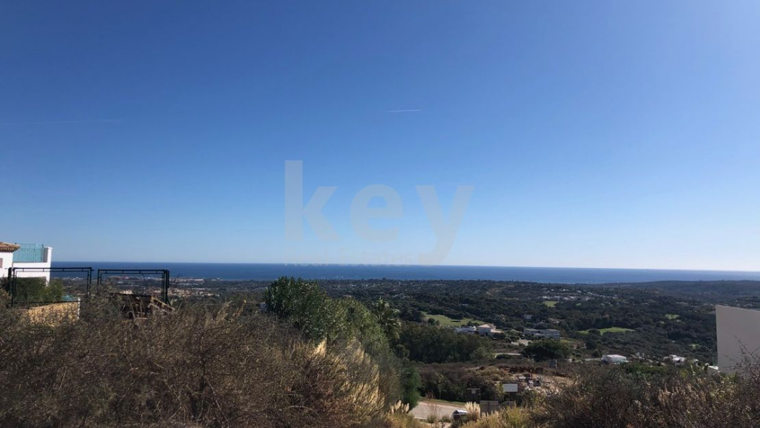 Panoramic sea and golf views plot and project for sale in La Reserva de Sotogrande
