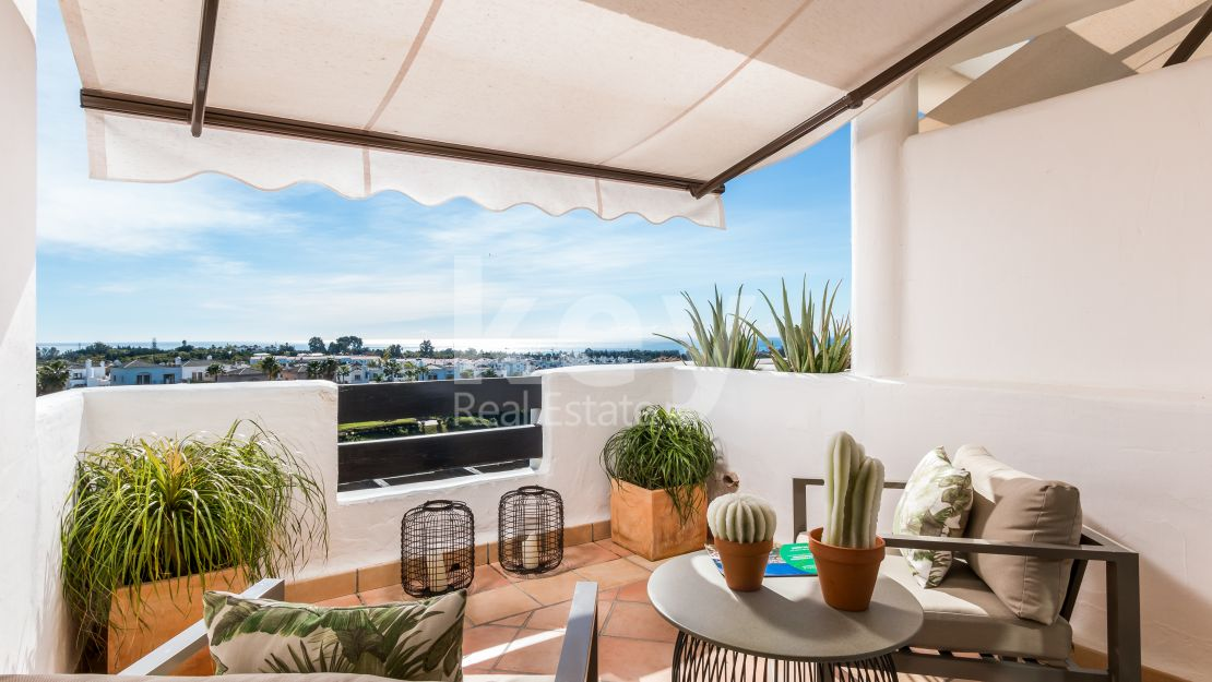 Beautiful frontline golf apartment for sale in La Resina Golf, Estepona