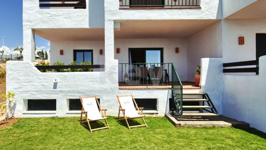 Golf view ground floor apartment in Casares Beach
