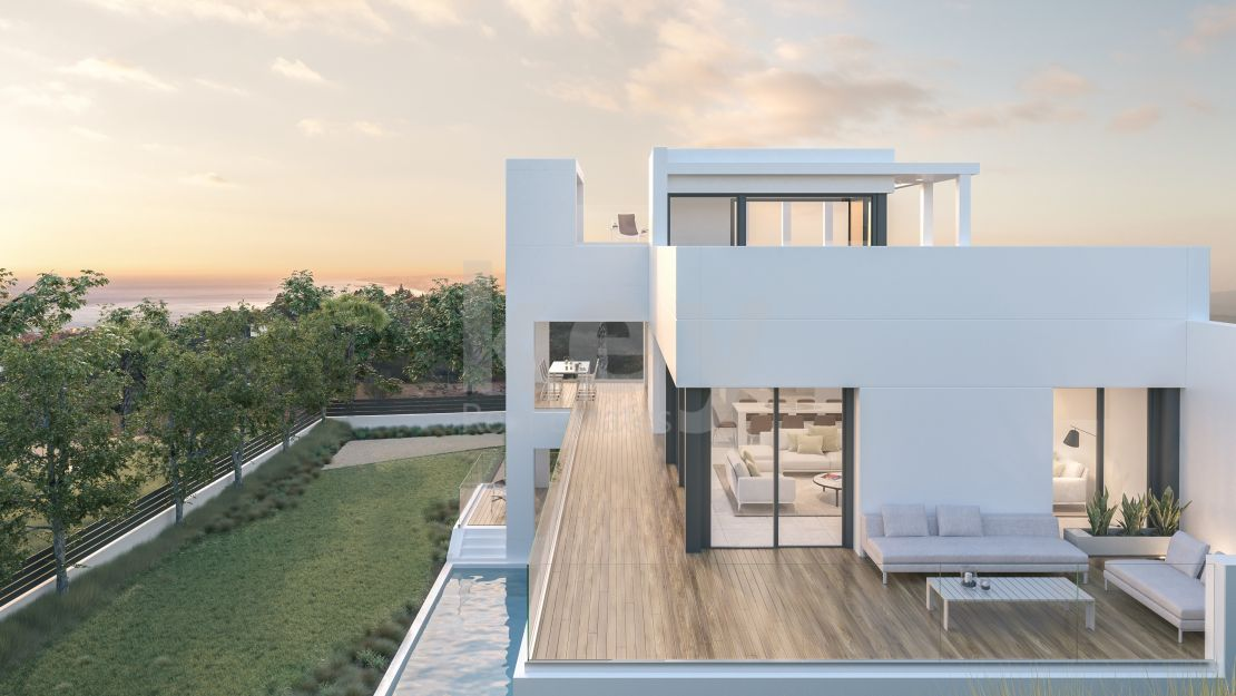 Sea views modern villa for sale in gated community, Benalmádena