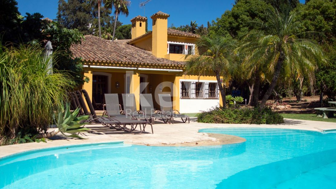 Charming award-winning villa in a privileged location, El Paraíso Estepona