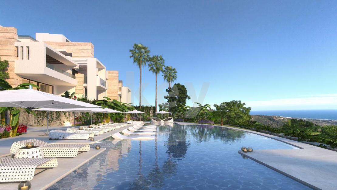 Amazing ground floor apartment with mountains views in a gated community, Marbella