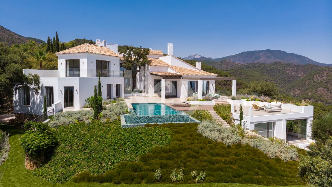 Newly built modern villa with sea views in El Madroñal, Benahavis