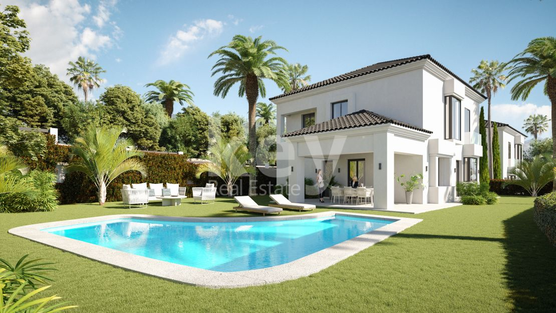 Frontline golf villa with sea views in Elviria, Marbella