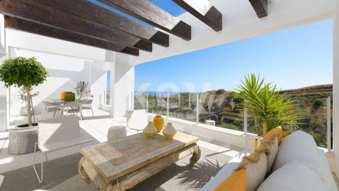Stylish triplex penthouse for sale in Altos de los Monteros, Marbella East