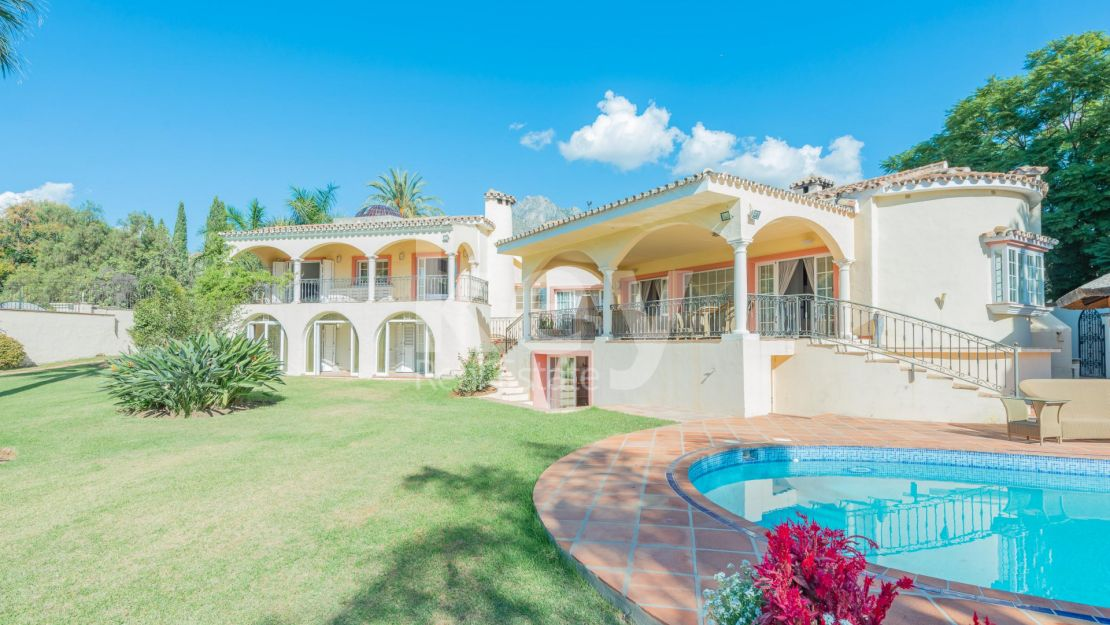 Outstanding Mediterranean villa in Golden Mile, Marbella