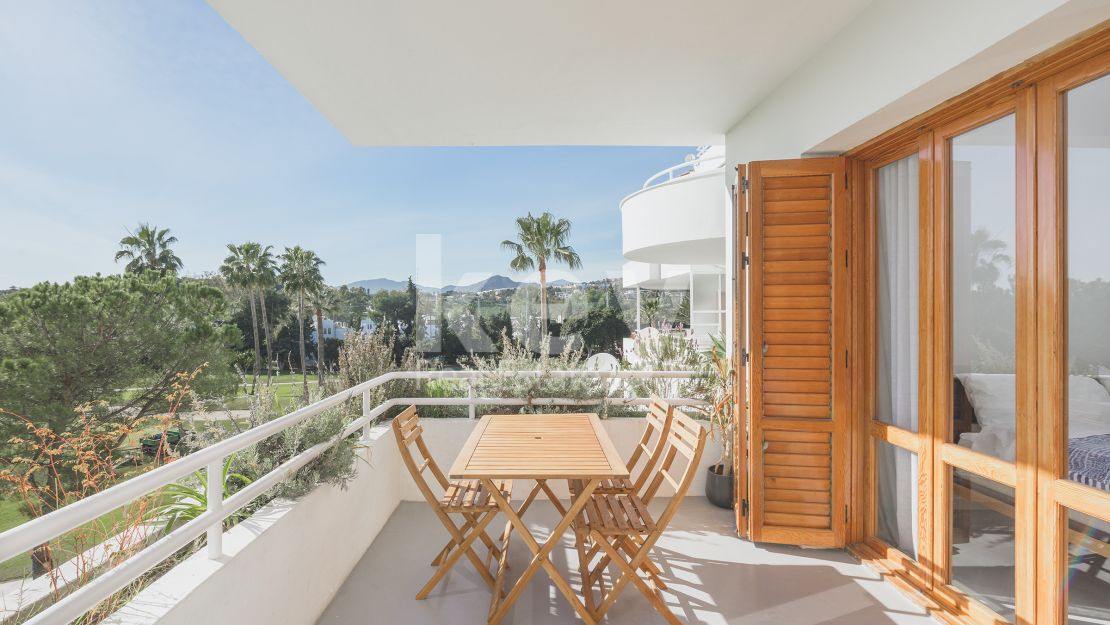 Stunning front line golf apartment in Los Naranjos Golf, Marbella