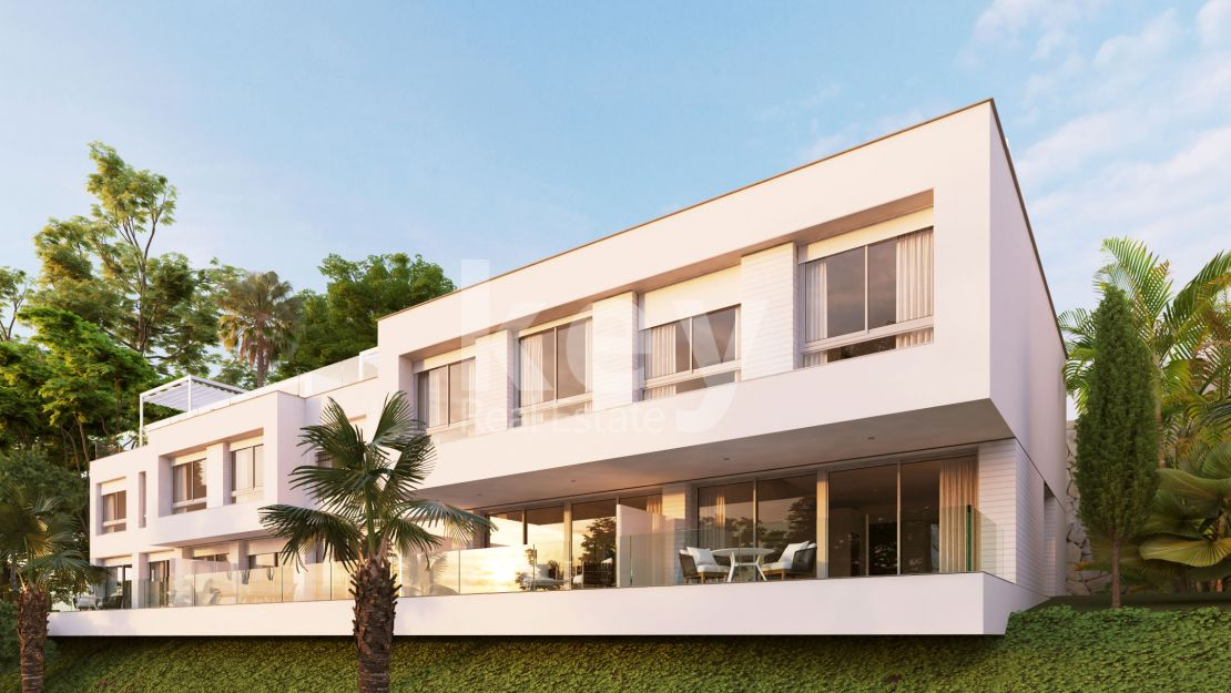 Brand new modern townhouse in New Golden Mile, Estepona