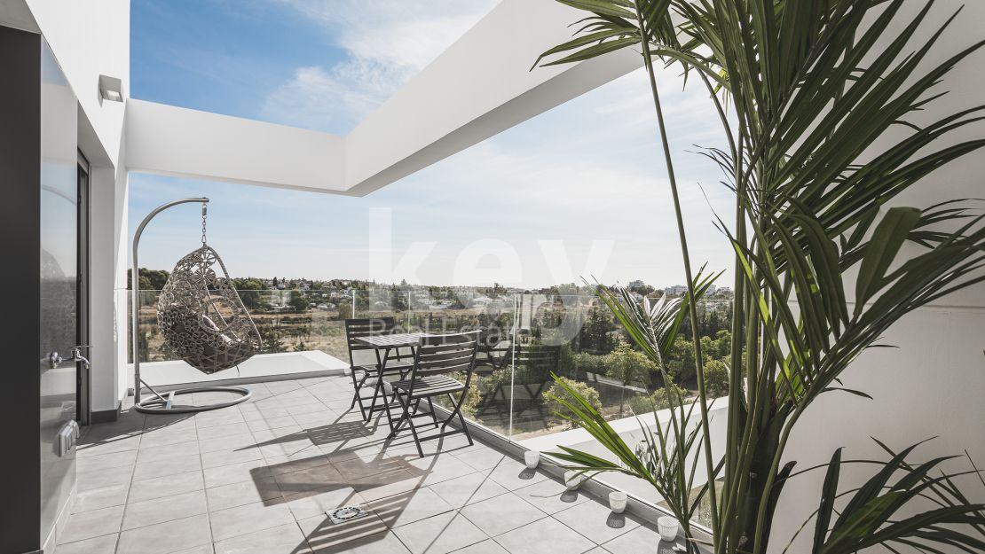 New contemporary penthouse in Atalaya, Estepona