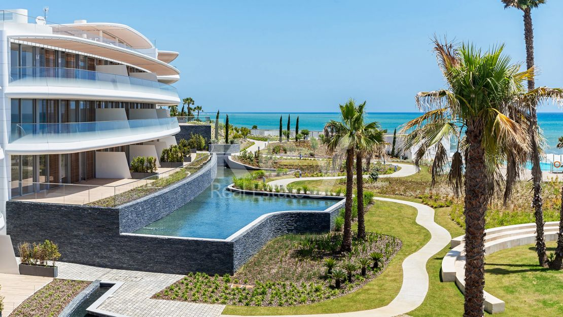 Stunning beachfront apartment in New Golden Mile, Marbella