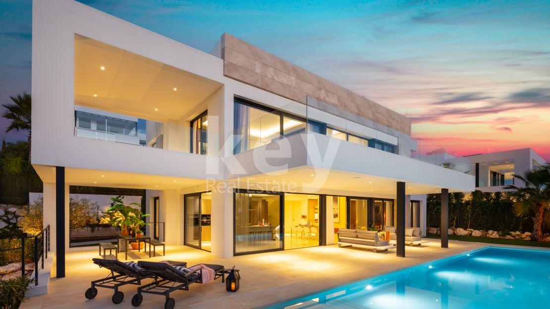 New modern villa in the Golf Valley, Nueva Andalucia