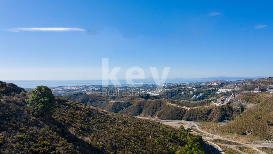 Panoramic sea views plot for sale in Real de La Quinta, Benahavis