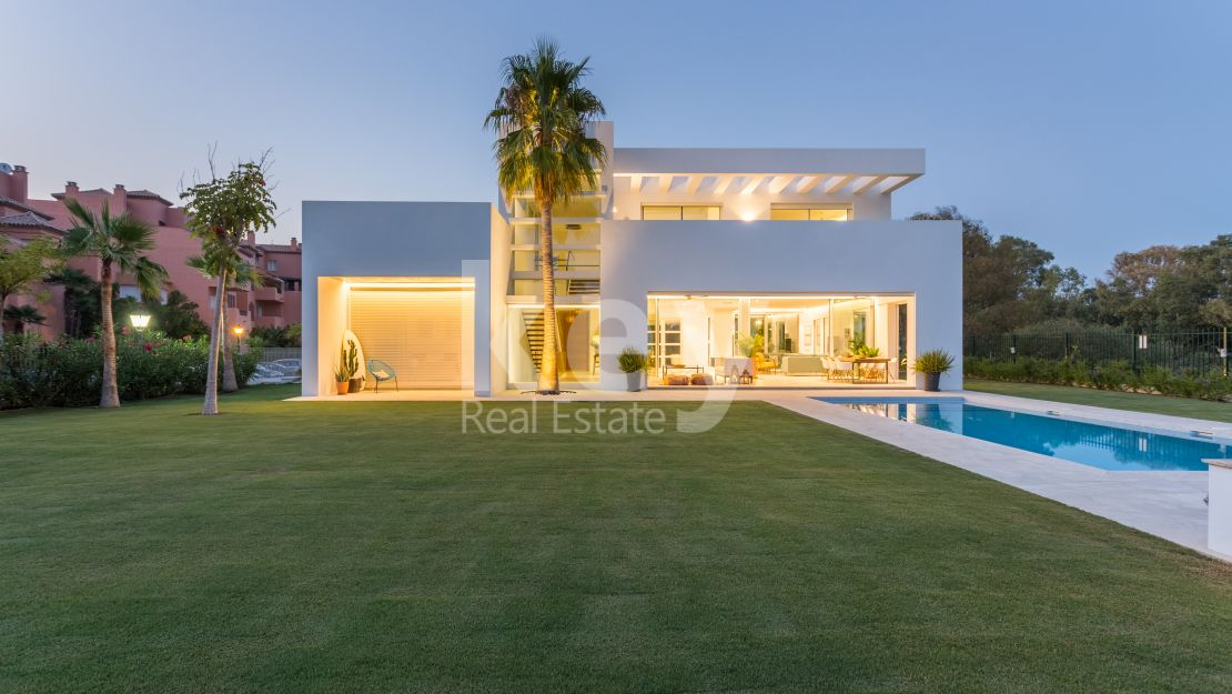 Beachside fabulous villa in Casasola, Estepona