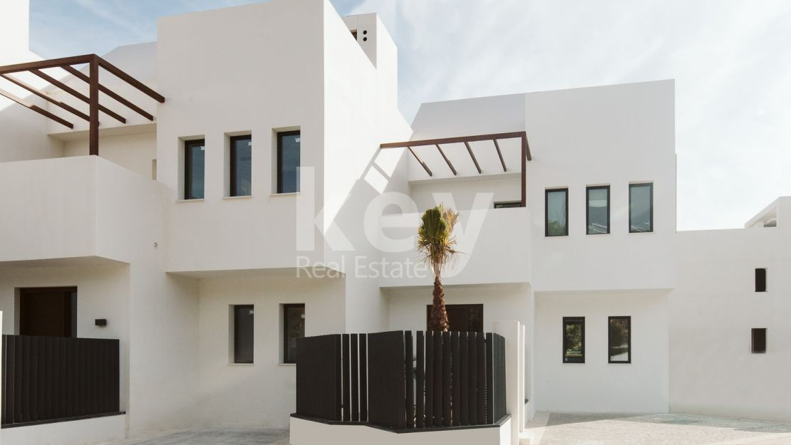 Luxury townhouse with prestigious location in Nueva Andalucia, Marbella