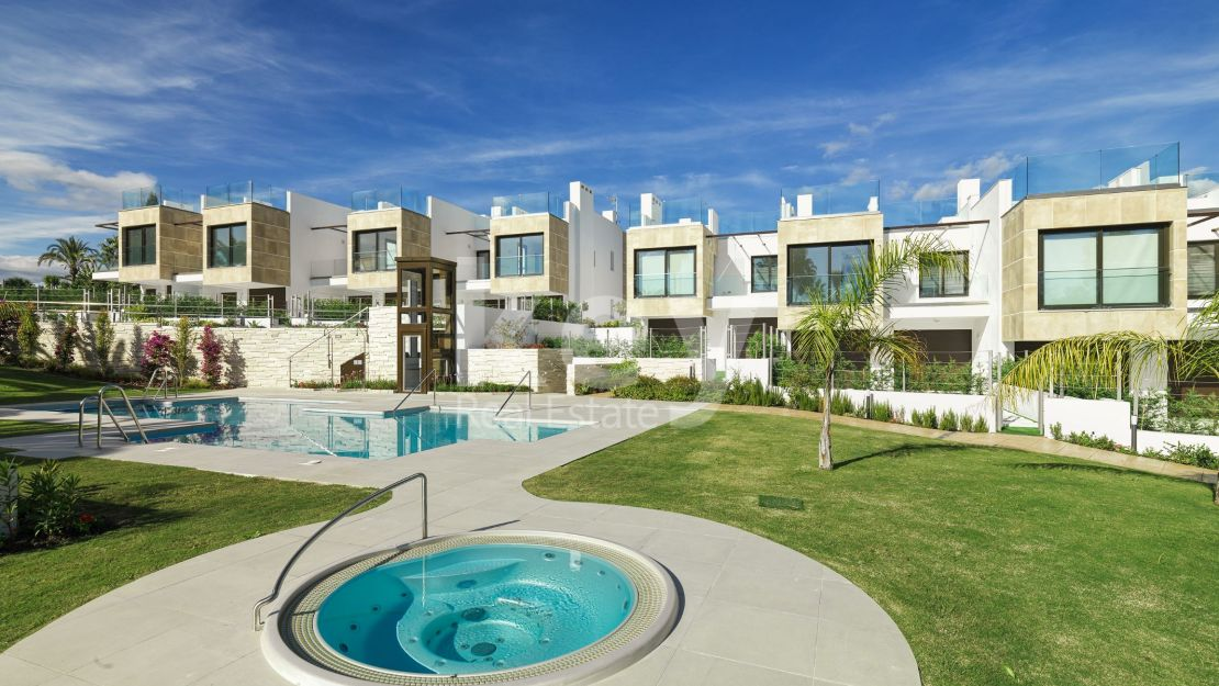 New contemporary townhouse in Nueva Andalucia, Marbella