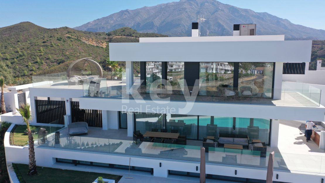Newly built villa with panoramic views