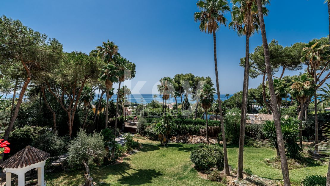 Panoramic sea views plot in Golden Mile, Marbella