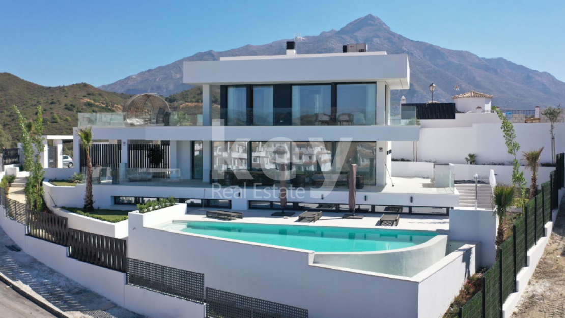 New panoramic sea views villa in Nueva Andalucia, Marbella