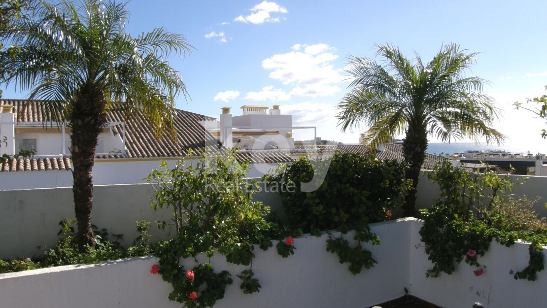 Duplex penthouse for long term rental in Golden Mile, Marbella