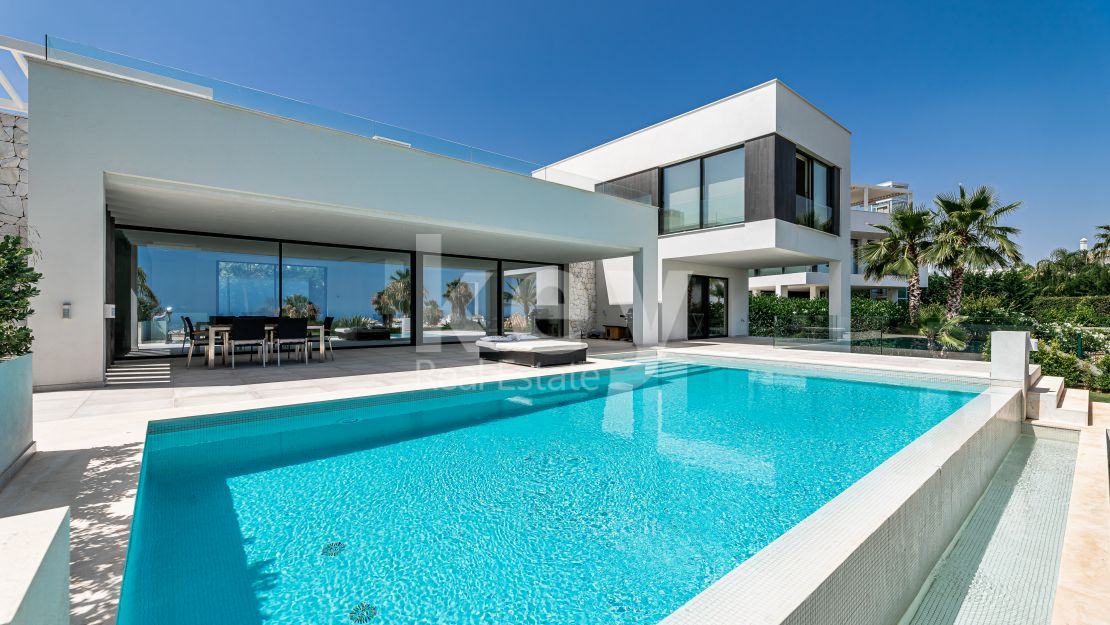 Stunning sea views modern villa in Mirabella Hills, Estepona