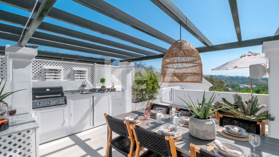 Stylish townhouse in Aloha Gardens, Nueva Andalucia