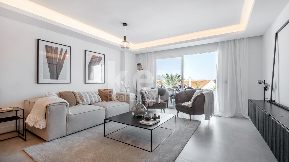Renovated contemporary apartment in Nueva Andalucia, Marbella