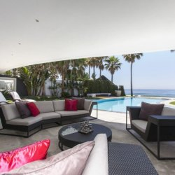 Marbella East: Frontline beach and golf properties