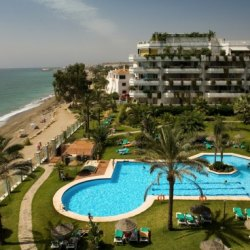Rio Verde Playa - secluded on the Marbella beach