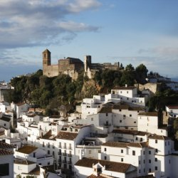 Casares – set between mountains and sea near Estepona