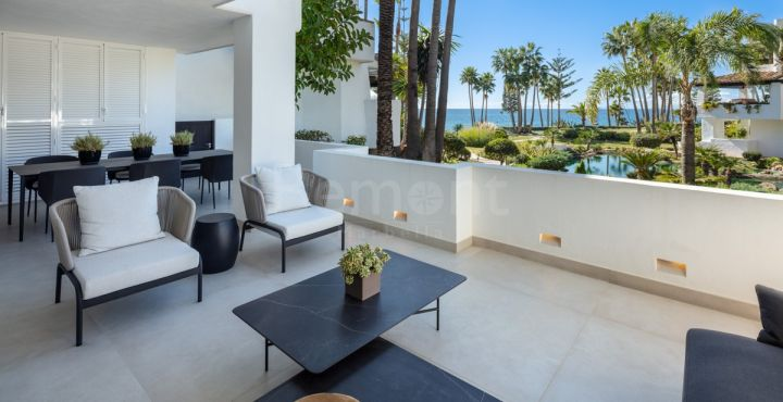 3-Bedroom beachside ground floor apartment for sale in Marbella Golden Mile