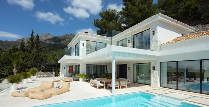 7-Bedroom luxury villa for sale in Marbella Golden Mile