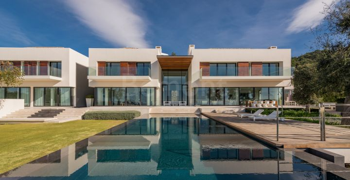 Stunning contemporary villa for sale in La Zagaleta, Benahavis