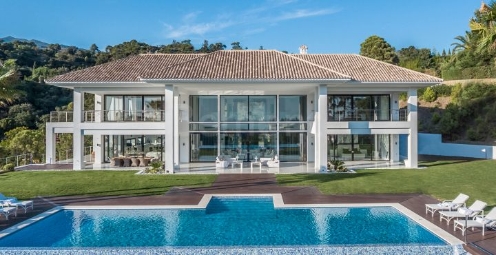 Glamorous modern villa for sale in La Zagaleta, Benahavis