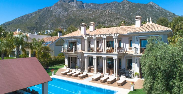 8-Bedroom villa for sale in Golden Mile, Marbella