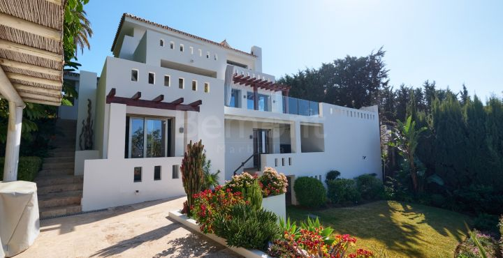 Fully renovated quality villa for sale in Nueva Andalucia