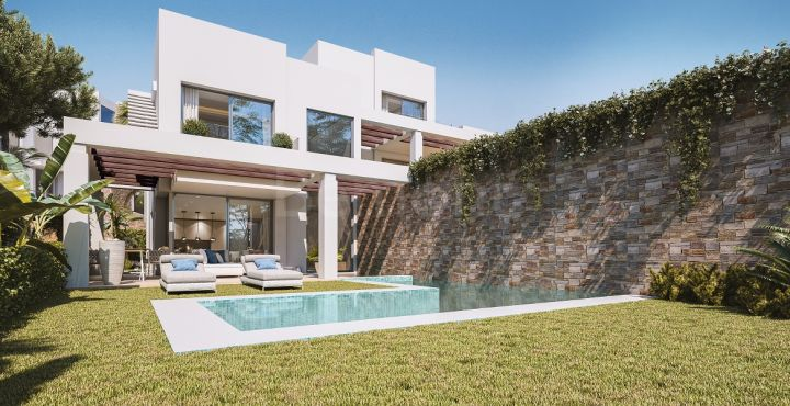 Contemporary new build villa for sale in Calahonda, Marbella East