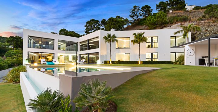Modern new build villa for sale in La Reserva de Alcuzcuz, Benahavis