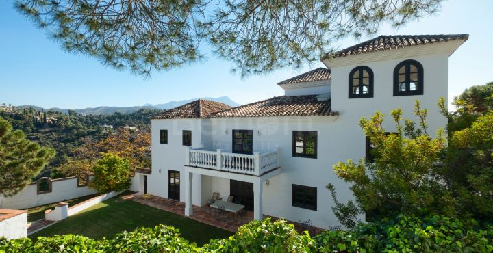 Charming traditional villa for sale in El Madronal, Benahavis