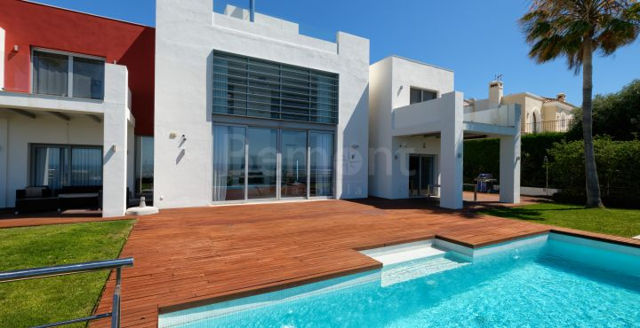 Contemporary 5 bedroom villa with spectacular sea views for sale in Los Flamingos Golf, Benahavis