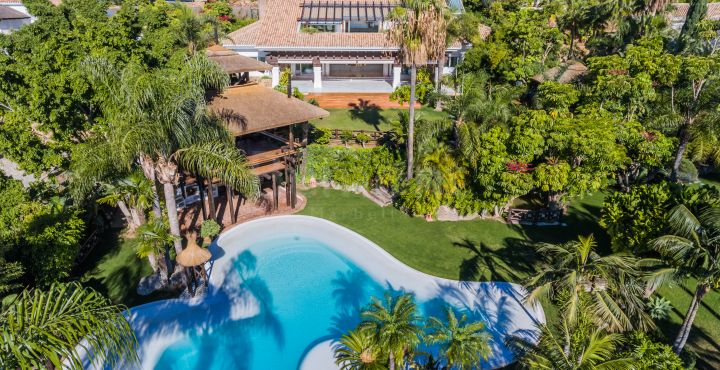 Stunning luxury villa with sea views for sale in Sierra Blanca, Marbella Golden Mile