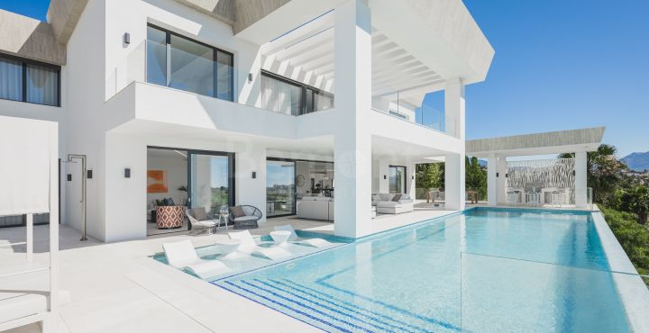 7-Bedroom villa for sale in Marbella West