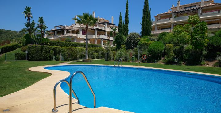 Penthouse te koop in Los Capanes del Golf, Benahavis
