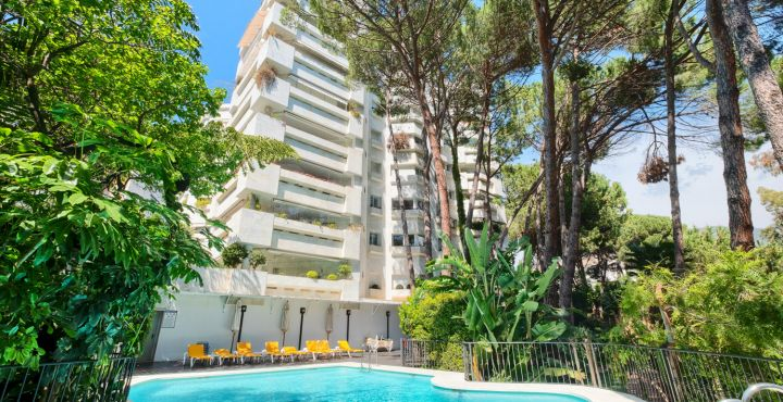 3-Bedroom beach apartment for sale in Jardin del Mediterraneo, Marbella