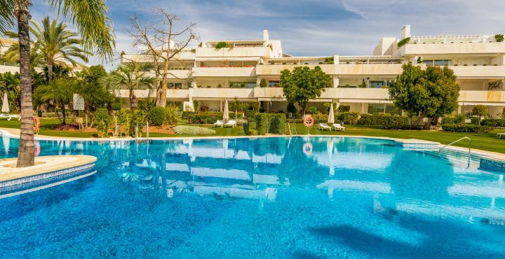 Appartement te koop in Los Granados Golf, Nueva Andalucia