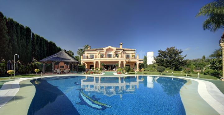 Exceptional luxury villa for sale in Atalaya de Rio Verde, Nueva Andalucia