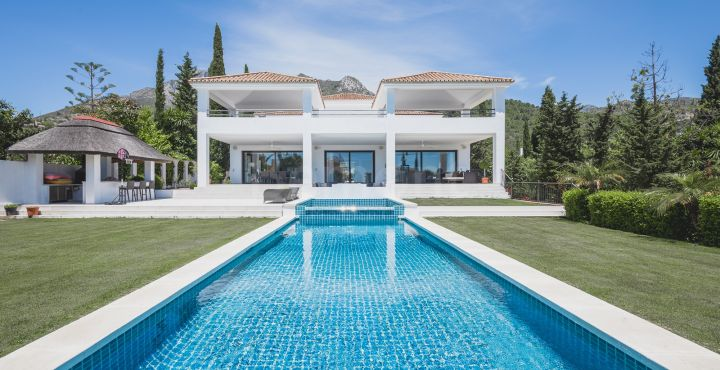 Spectacular luxury villa for sale in Cascada de Camojan, Marbella Golden Mile