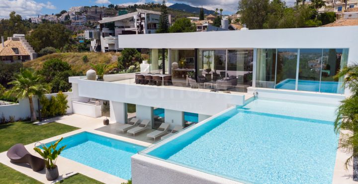 Marvelous luxury golf villa for sale in La Quinta, Benahavis