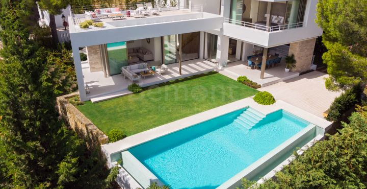 Contemporary luxury villa for sale in Nueva Andalucia, Marbella