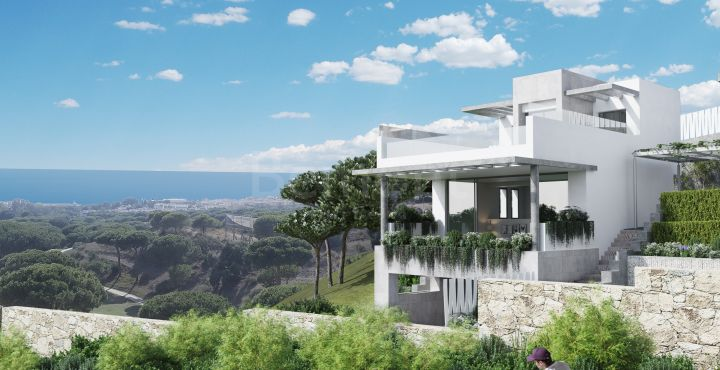 Frontline golf townhouse with panoramic sea views for sale in Marbella East