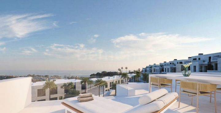 4 bedroom contemporary townhouse for sale in Selwo, Marbella West